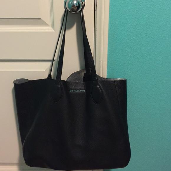 228ab11e4666 Michael Kors Bags | Mae Soft Leather Carryall Reversible | Poshmark