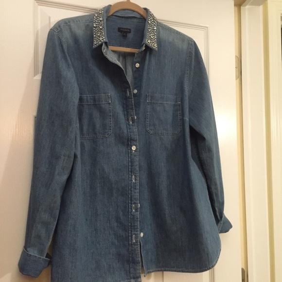 a4dad50b822 Rhinestone studded collar denim shirt. M 57393dbf4e95a313a7019c58