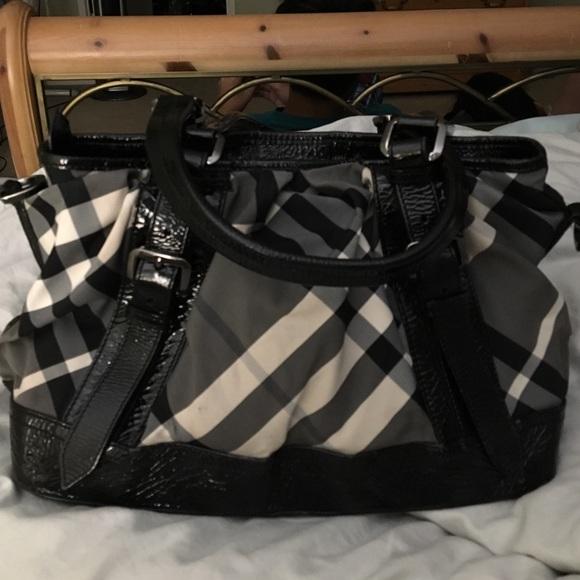 deb7803a575c Burberry Handbags - Genuine Black and beige checkered Burberry bag.