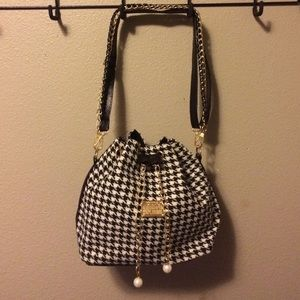 Closet clean out... Must go!!! 🎉 NEW houndstooth