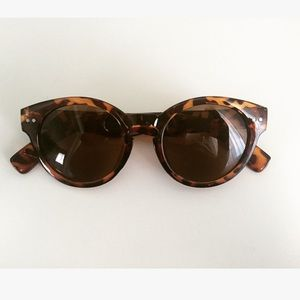 Accessories - Tortoise NWOT Sunnies
