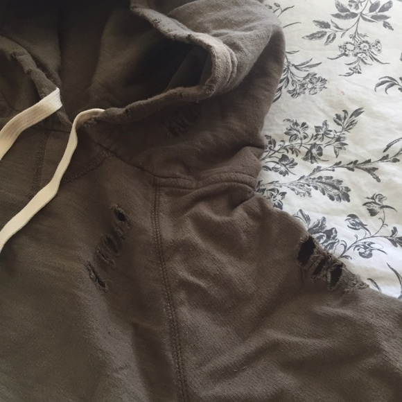 TRUE TO CAST  Sweaters - TRUE TO CAST Distressed Hoodie