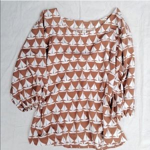 Old Navy Tops - Old Navy Silky Sailboat Top Size Large