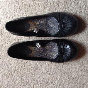 Xhilaration black wedge shoes