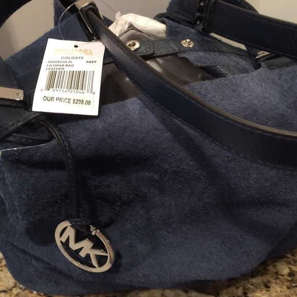 9f7d988cd0695a ... Michael Kors Bags - NWT Michael Kors Colgate Rev Leather to Suede Bag  ...