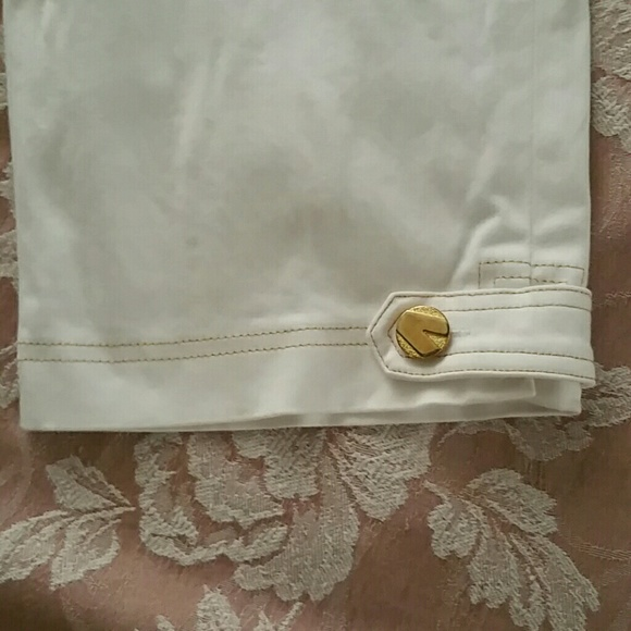Cache Shorts - White Stretchy Shorts