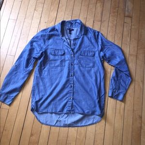 Gap chambray shirt size Medium