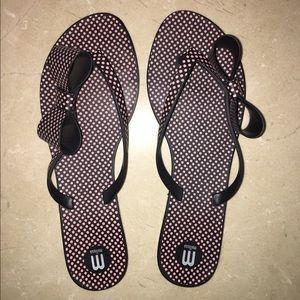 Melissa Masse Shoes - Pink and black polka dot flip flops