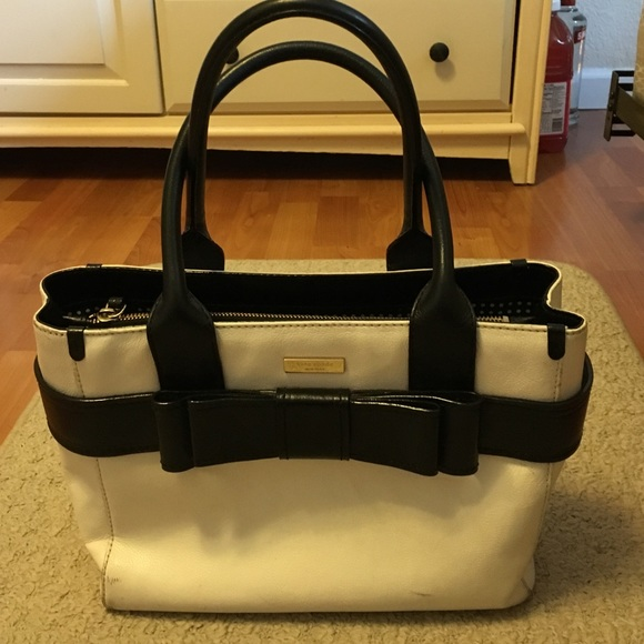 12e1320b097 Kate Spade Villabella Quinn leather bow tie purse