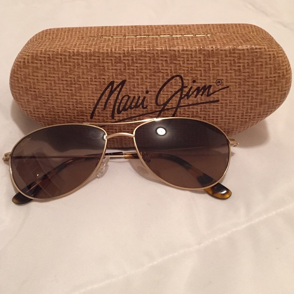 a5db32bd447d0 🎉SALE 🎉Maui Jim Baby Beach Sunglasses   Case. M 573a826a4e95a3cd3c01560e