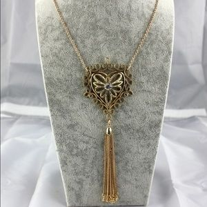 Jewelry - NEW! Gold heart tassel necklace!