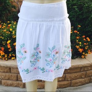 ❤Floral embroidered skirt