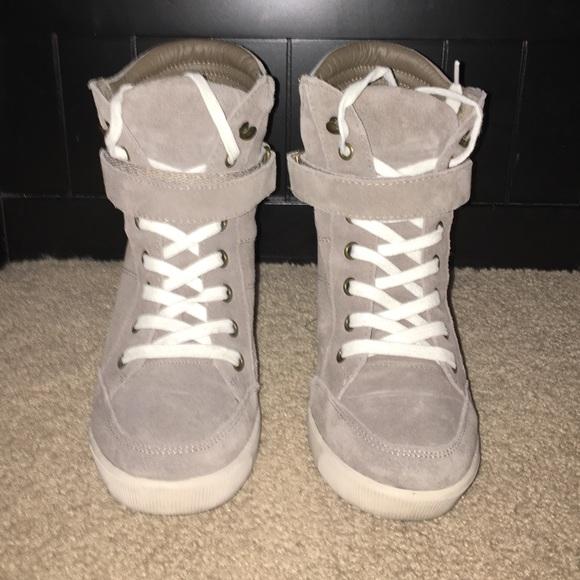 f81f746ea7f Steve Madden Taupe Lleve Sneaker Wedge. M 573b409e7fab3a42ac0abc11