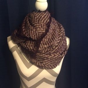 Accessories - Nwt purple infinity scarf