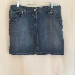 Tommy Hilfiger denim skirt! Gently used.