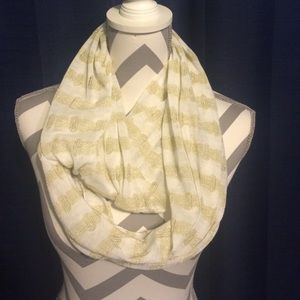 Accessories - White and gold striped infinity scarf