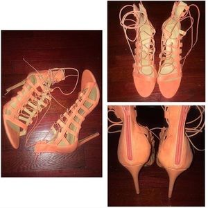 Shoes - Coral lace up | Size: 11