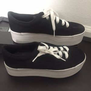 JC Play Platform Sneakers
