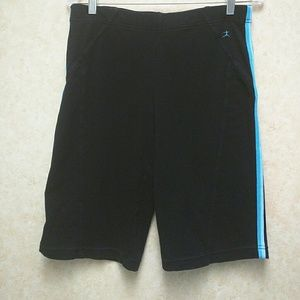 Danskin Pants - Danskin stretch shorts