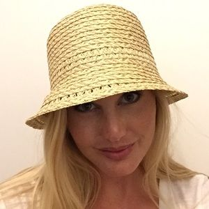 August Hats Accessories - 🎄August Hats Beach Hat - NWT
