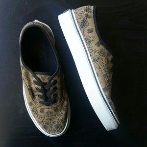 4697c44404592a Vans Shoes - Limited Edition brown bandana Authentic Vans