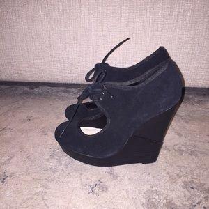 Deena & Oozzy Shoes - Black suede wedges