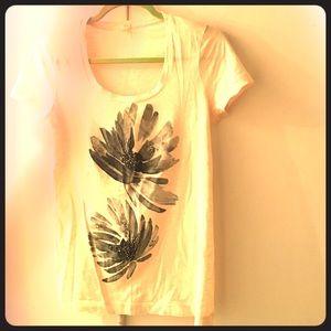 Cute JCrew Cream Floral Designed T-shirt!