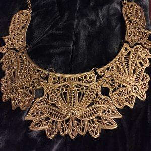 Jewelry - 👑 Dazzling Statement Necklace 👑