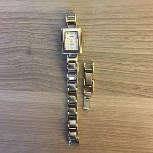 Womens watch with extra links- MUST GO MAKE OFFER