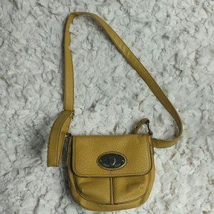 Nine West Handbags - Nine West small cross body bag