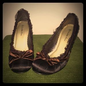 Charlotte Russe size 7 Brown closed toe heel