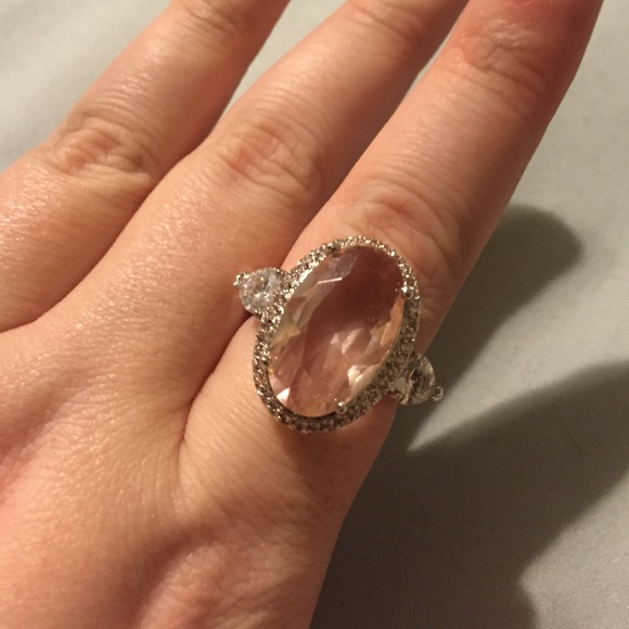 Jewelry - 🎉Stunning Pink Sterling Silver Ring size 10❤️