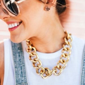 NWT Retail Gold Chunky Link Necklace