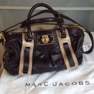 Marc Jacobs Handbags - NWOT Leather Bag💗