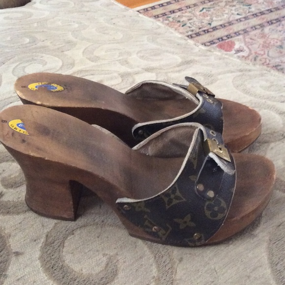 1ae90ff8ec9e dr scholls sandals Source · Dr scholls Shoes 50 Bundled Size 9 Wood Heel  Sandals Poshmark