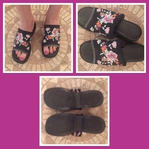 Ipanema Shoes - Ipanema floral embellished wedges