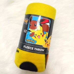 """Pokemon Other - Pokemon Eevee & Pikachu 40"""" x 50"""" Fleece Throw"""