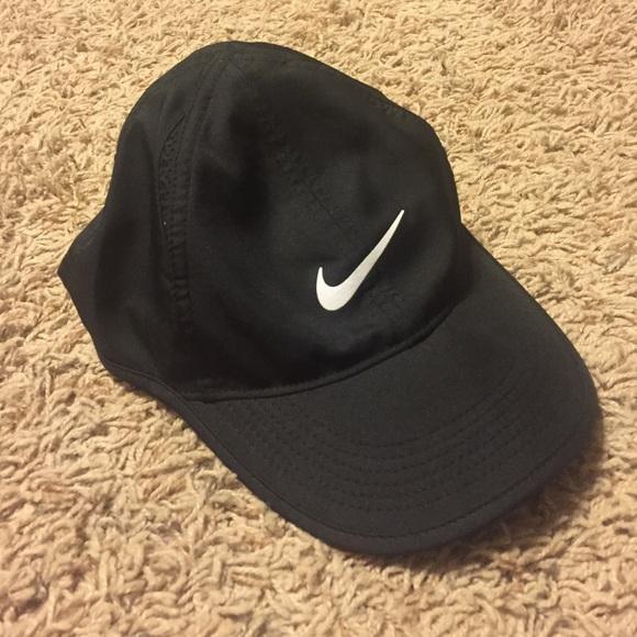 89da8c31496cd Nike Dri-fit Hat. M 573ceac2522b453b850052b7