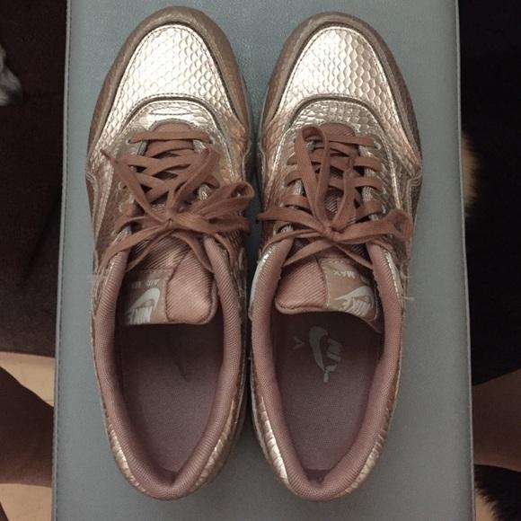 Nike Air Max Rose Gold Snakeskin Sneakers 8.5