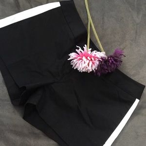 EXPRESS size 2 black shorts with white stripe ❤️