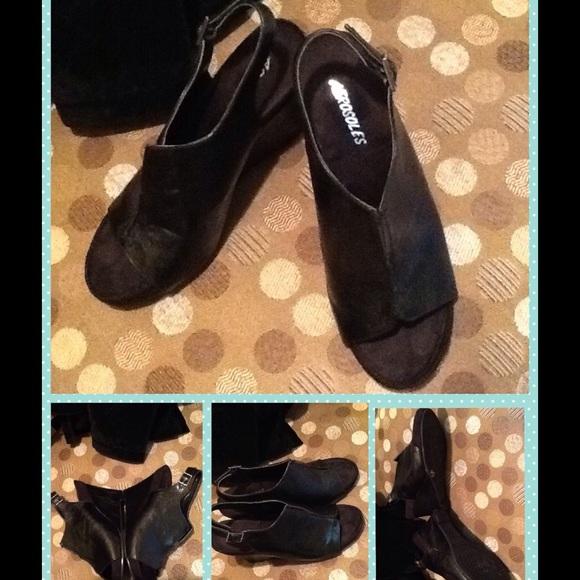 7c94d073777 AEROSOLES Shoes - ⚡️FLASH⚡️AEROSOLES Black Peeptoe Wedge w  Strap