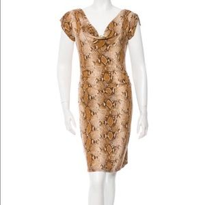 Diane von Furstenberg Dresses & Skirts - DVF silk print dress