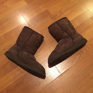 UGG Shoes - Classic UGG Boots Size 9