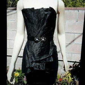 BcbgMaxAzria strapless dress sz 4, brand new