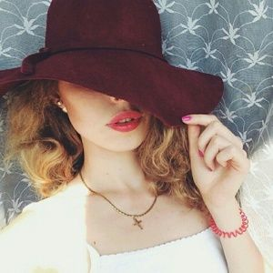 Burgundy Wool Floppy Hat
