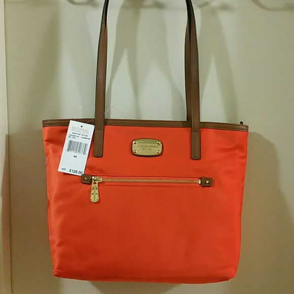 2cf5fad246b8 Unique NWT Michael Kors Montauk Nylon Tote Bag
