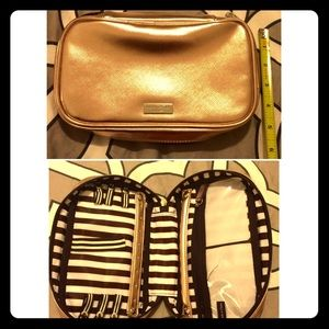 henri bendel Handbags - Rose gold jewelry travel case from Bendel's