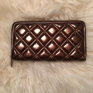 Marc Jacobs Handbags - Marc Jacobs zip around wallet