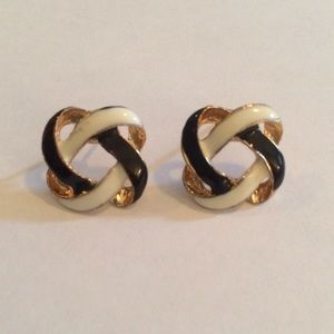 Black & White Knot Earrings!