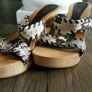 sotto sopra Shoes - Reptile Print Wedge Sandal